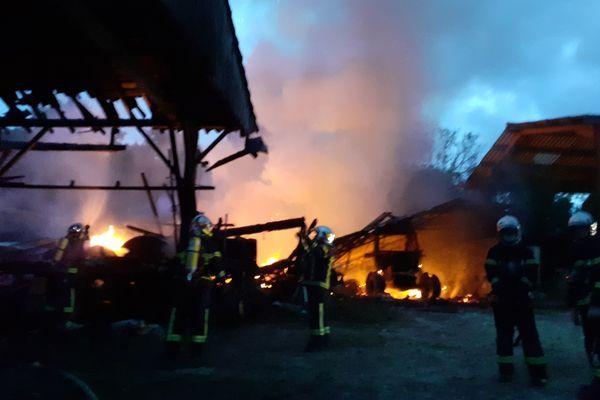 Le bâtiment a été totalement détruit