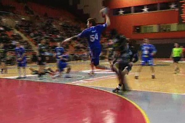 Sur la fin du match, Dijon a repris l'avantage. Ici Miroslav RAC en action.