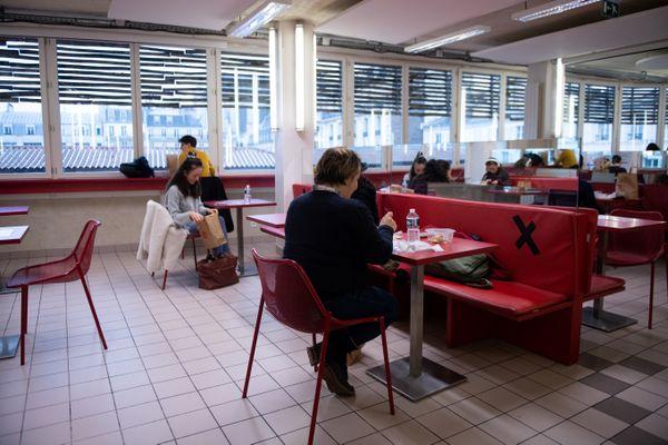 Les étudiants de l'IUT de Montreuil réclament la réouverture du restaurant universitaire (Illustration)
