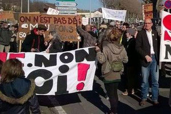 Une des manifestations contre l'exploitation de la mine de Salau