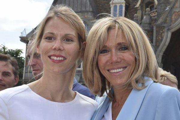 Tiphaine Auzière et sa mère Brigitte Macron lors du second tour des élections législatives en 2017 au Touquet.