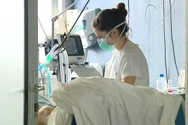Le service de réanimation du Centre Médico Chirurgical de Tronquière, à Aurillac, dispose actuellement de huit lits. Qui ne désemplissent pratiquement jamais. D'où la stupeur et l'incompréhension des cliniciens à l'annonce de la fermeture du service. Une décision qui émane de l'Agence Régionale de Santé.