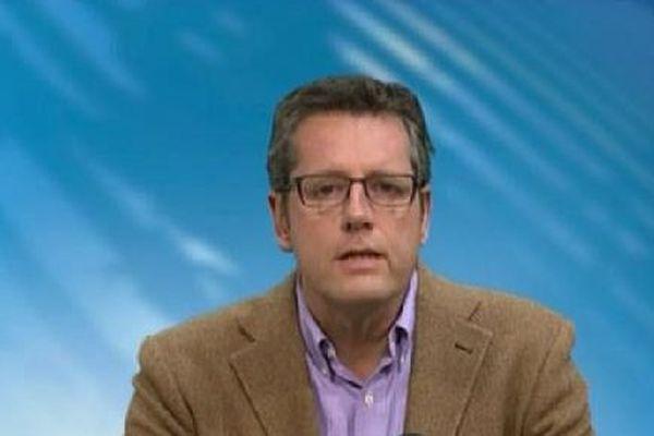 Dominique Hennequin, journaliste, est vice-président du club de la presse de Metz.