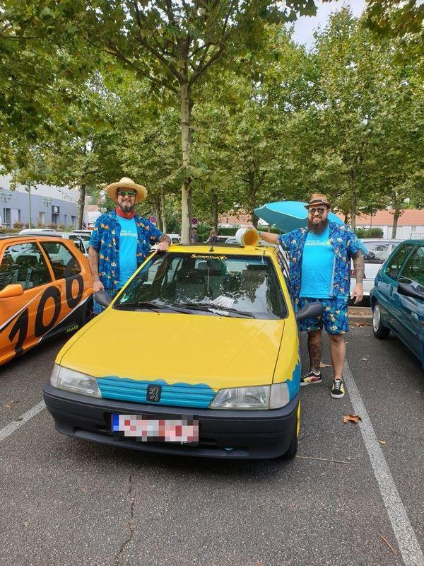 Ces deux allemands sont venus avec une édition Summertimes et se sont habillés pour l'occasion !