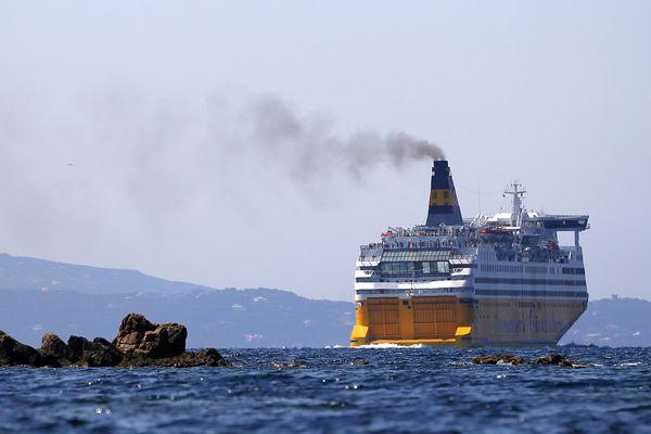 Fermé depuis le début du confinement, le port de Nice n'a toujours pas rouvert son accès aux bateaux de croisière.