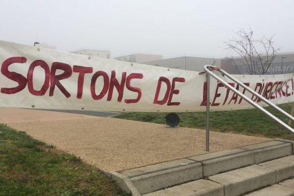 Les opposants à l'état d'urgence et à la déchéance de nationalité manifestent dans toute la France