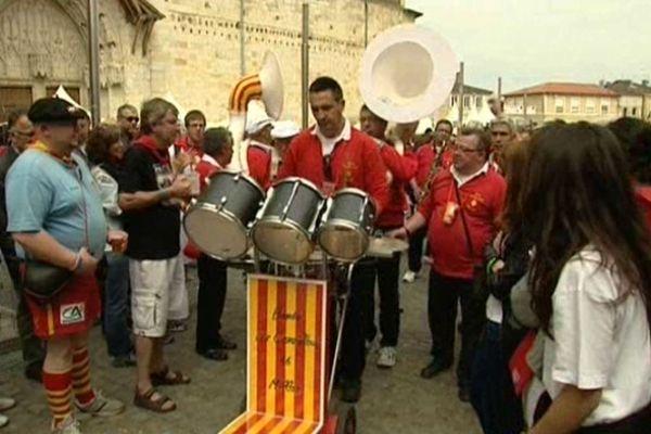 Les bandas ont défilé dans les rues de Condom.