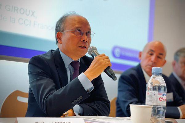 Son Excellence M.Dinh Toan Thang, ambassadeur du Vietnam en France, à la CCI de Saône-et-Loire à Mâcon, jeudi 16 septembre