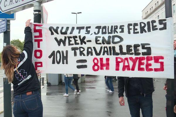 Grève des ambulanciers devant le CHU de Nantes, le 24 septembre 2020