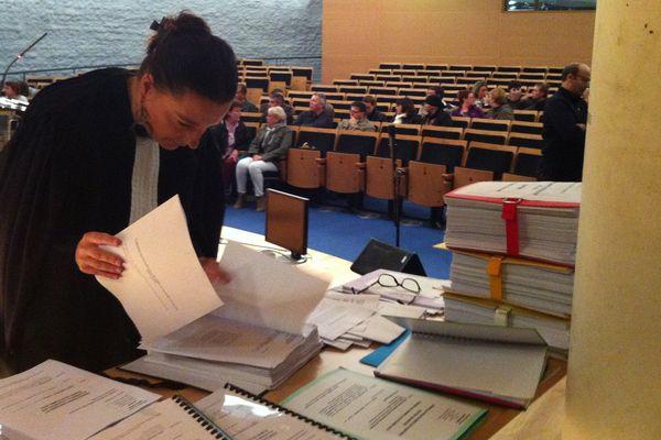 Maître Maria Brun avocate des ex-salariés Ethicon devant le tribunal des Prud' hommes de Chartres délocalisé à la CCI