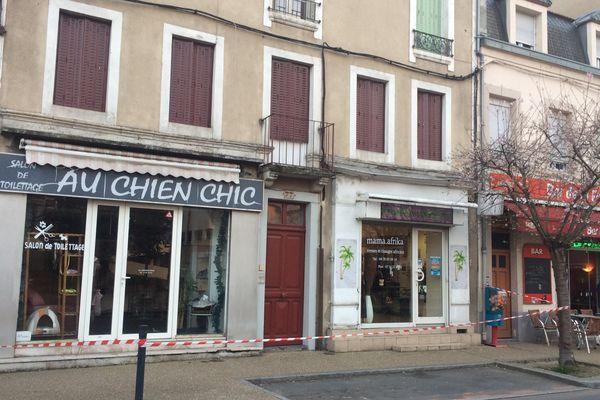Le corps de Jeanine Pnce a été découvert au premier étage du 77 rue de la Républqiue à Montluçon.