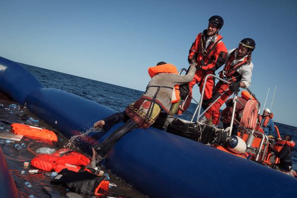 Depuis 2014, plus de 22 000 personnes auraient perdu la vie en Méditerranée. Un chiffre largement sous-estimé, selon SOS Méditérranée.