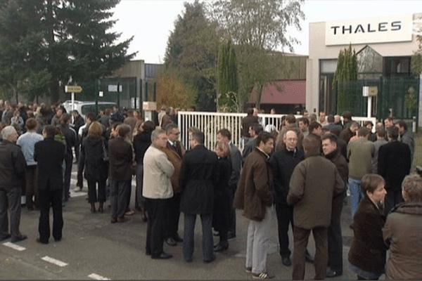Le 27 octobre 2009, les salariés de Thalès avaient participé à une marche silencieuse en hommage à leur collègue