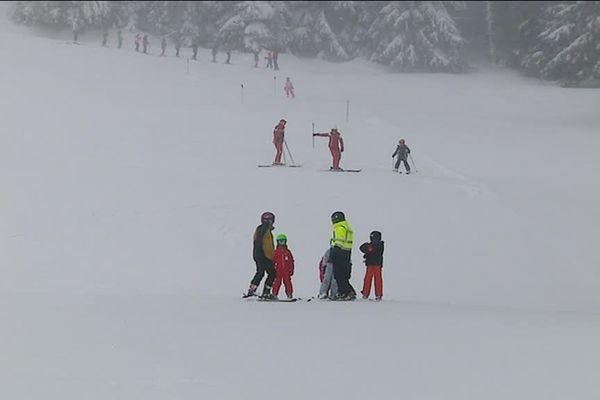 Un mètre vingt de neige en haut des pistes, la saison hivernale est quasi assurée au Tanet