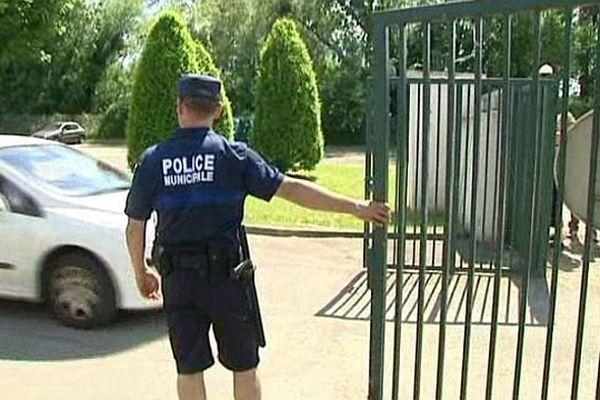 Un employé municipal de Longvic, en Côte-d'Or, avait tué sur un de ses collègues vendredi 7 juin 2013.