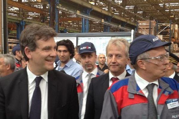 Arnaud Montebourg, ministre de l'Economie, avec Alain Gerlier directeur de l'usine Alstom du Creusot, en Saône-et-Loire