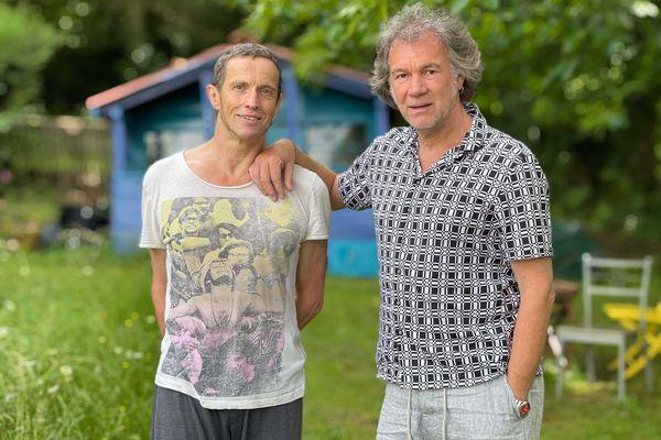 Benjamin Lamarche et Claude Brumachon dans leur petit coin de paradis.