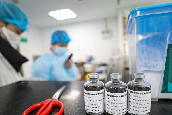 Le CHU d'Amlens a reporté l'essai clinique européen Discovery à cause d'un manque de Remdesivir, une molécule venant des Etats Unis et déjà testée en Chine.