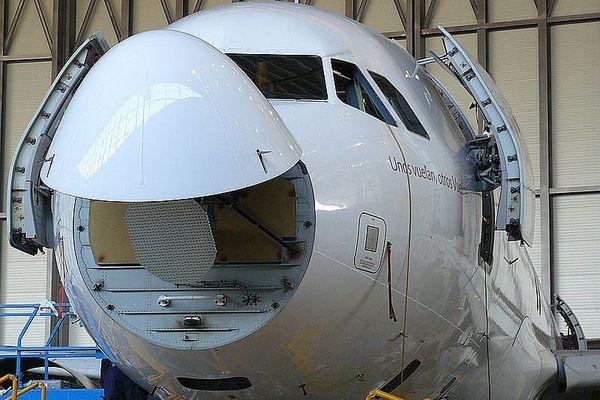 """Les capteurs météo sont généralement installés dans le """"nez"""" des avions, ici un A 320."""