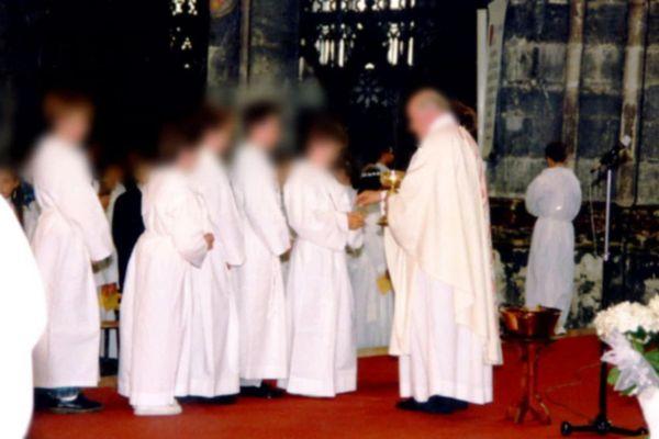 Un prêtre qui a exercé à Aire-sur-la-Lys dans le Pas-de-Calais pendant 25 ans accusé d'actes pédophiles par plusieurs victimes