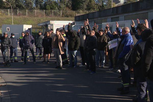 Les salariés votent la grève (30 nov 2020).