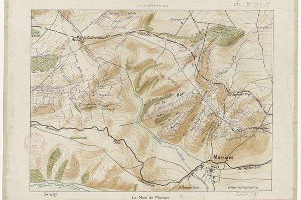 Le nom de la Main de Massiges vient de la forme de doigts des collines surplombant le village éponyme dans la Marne, comme le montre cette carte de 1915.