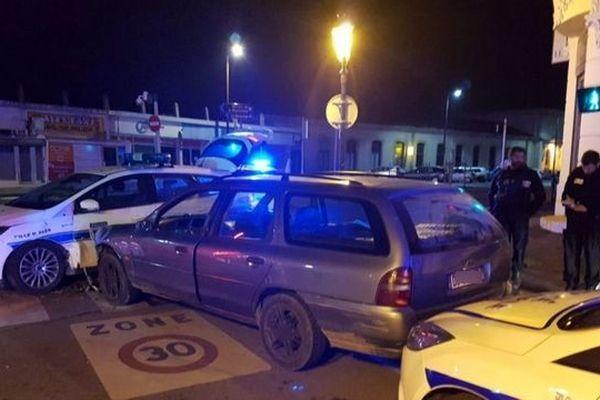 Un individu a foncé sur une voiture de la police municipale d'Alès