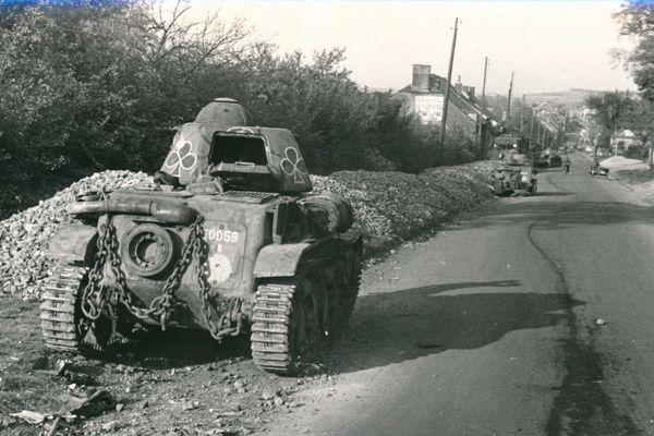 Un char utilisé pendant la bataille de Montcornet, dans l'Aisne.