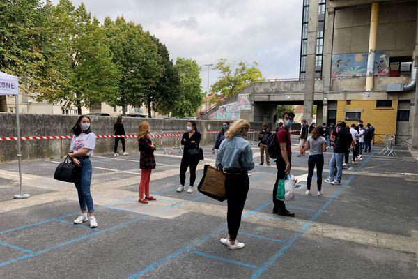 Près de 600 étudiants de l'Université de technologie de Compiègne ont été testés le mercredi 23 septembre (photo).
