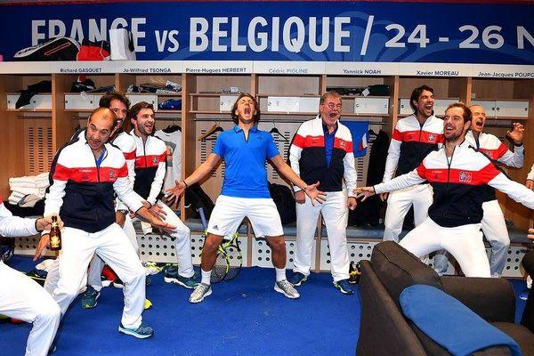La joie des joueurs français ce dimanche soir dans les vestiaires du Stade Pierre-Mauroy