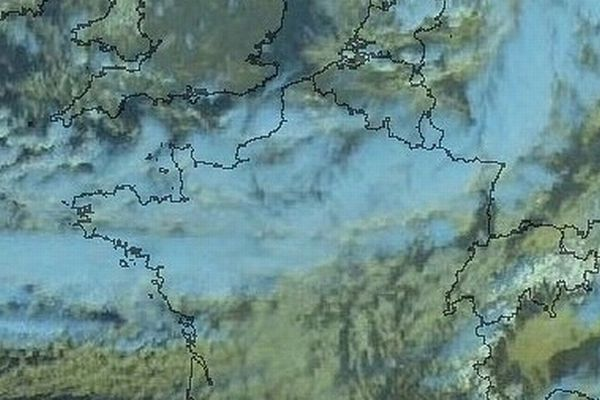 Des vents forts et des nuages sur l'Ouest