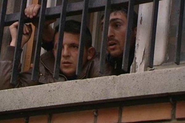 Une partie des 90 Roms a réussi à s'introduire dans l'ancienne Bourse du travail avant l'arrivée de la police