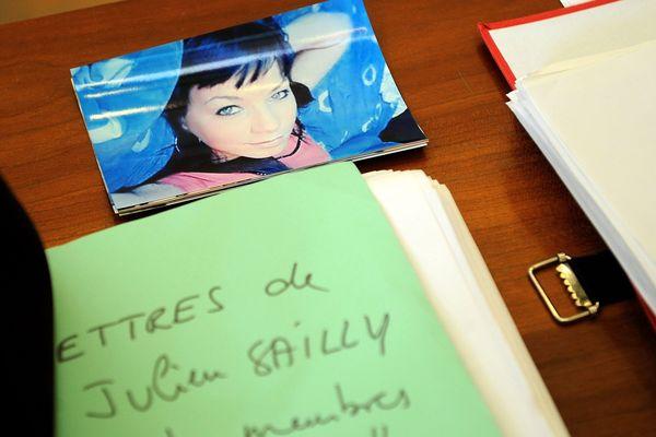 Une photo de Clélia lors du précédent procès de Julien Sailly aux assises de Saint-Omer