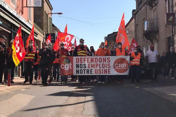 Plusieurs centaines de salariés d'Aperam dans les rues de Gueugnon ce jeudi 22 avril