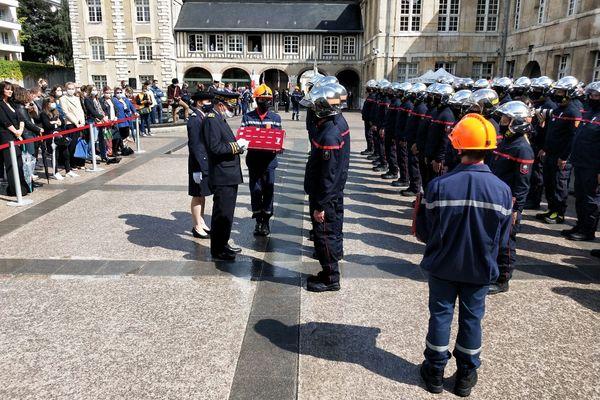 Une centaine de médailles ont été remises samedi 10 juillet 2021 dans la cour de la Préfecture de Seine-Maritime.