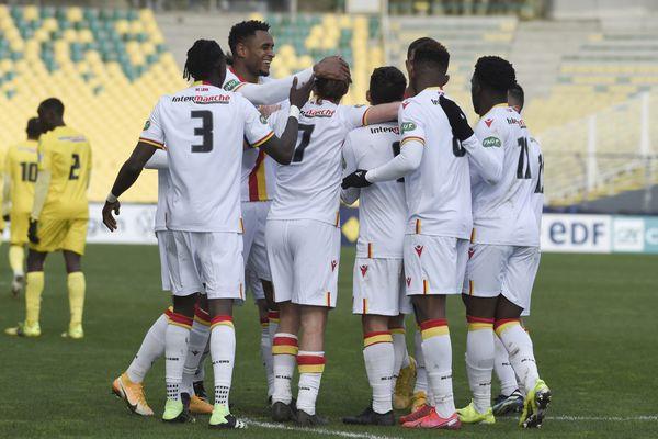 Célébration d'un but du RC Lens pendant le match contre Nantes, qu'ils ont remporté (4-0).