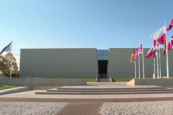 Stéphane Grimaldi, le directeur du Mémorial de Caen, estime que le musée va perdre 60 à 70 % de ses visiteurs sur les derniers mois de l'année.