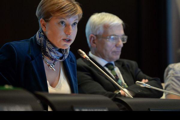 Jeanne-Robinson Behre a été élue au Conseil municipal d'Avrillé et d'Angers (Ici en décembre 2014 au conseil Municipal d'Angers).