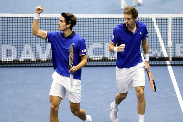 Pierre-Hugues Herbert et Nicolas Mahut, coéquipiers en équipe de France de coupe Davis sont toujours en lice à l'Open sud de Montpellier