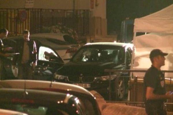 Une quarantaine d'impacts de balles ont été retrouvés sur la voiture de la victime.