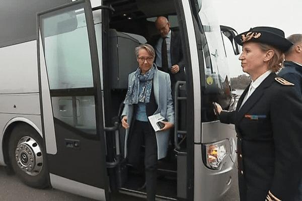 Elisabeth Borne, ministre chargée des Transports, accueillie au Havre par Fabienne Buccio, préfète de la région Normandie