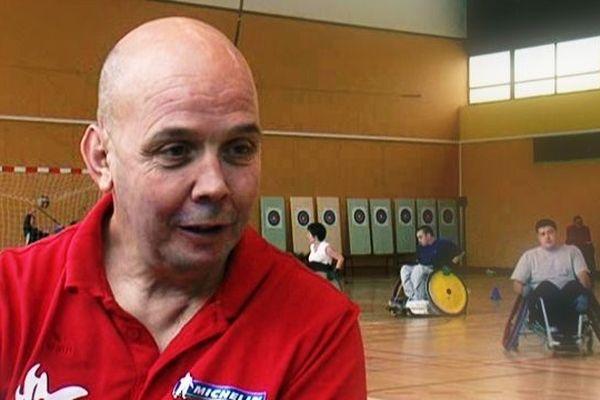 Michel Terrefond vit à Saint-Yrieix La Perche, il est directeur sportif de l'équipe de France de rugby fauteuil.