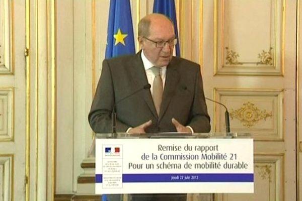 Philippe Duron a remis son rapport cet après-midi