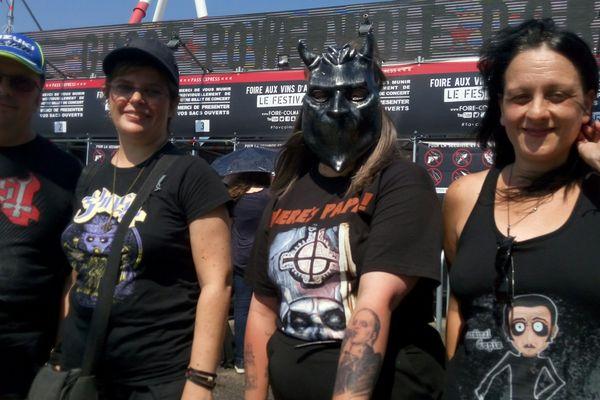 De gauche à droite : Denis, Véronique, Elody et Nathalie sont des fans de la première heure du groupe suédois Ghost
