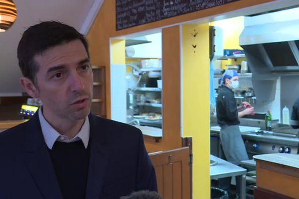 """Lionel Sévènes, gérant du restaurant """"La tomate du jardin"""""""