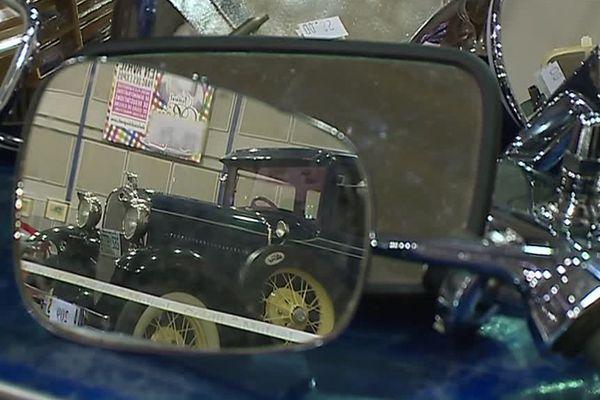 Au catalogue, la rarissime Manic GT construite à 160 exemplaires, une Mercedes-Benz cabriolet de 58 ou encore une Fiat Dino de 1937.