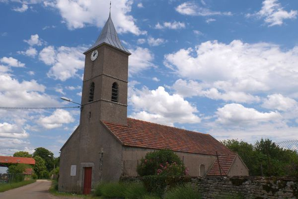 L'église de Puits-de-Bon à Noyers-sur-Serein, dans l'Yonne.
