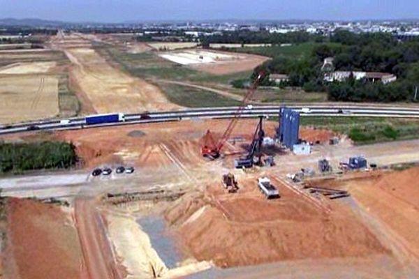 Lattes (Hérault) - les travaux du contournement TGV de Montpellier avancent - juillet 2014.