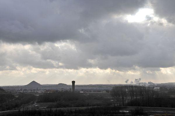 Dans le département du Pas-de-Calais, l'axe de Lens à Arras en passant par Hénin-Beaumont et Carvin concentre la majorité des contaminations à la Covid-19.