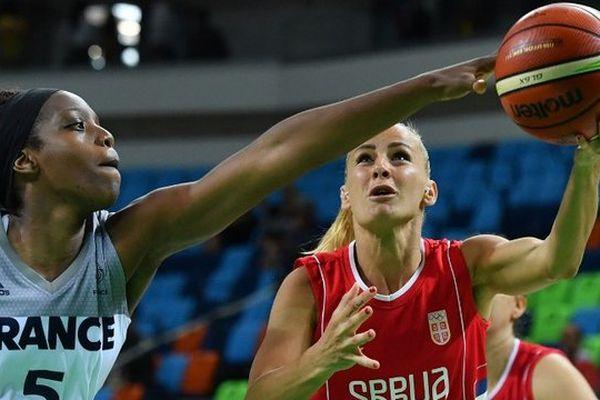 Endy Miyem contre la Serbie.